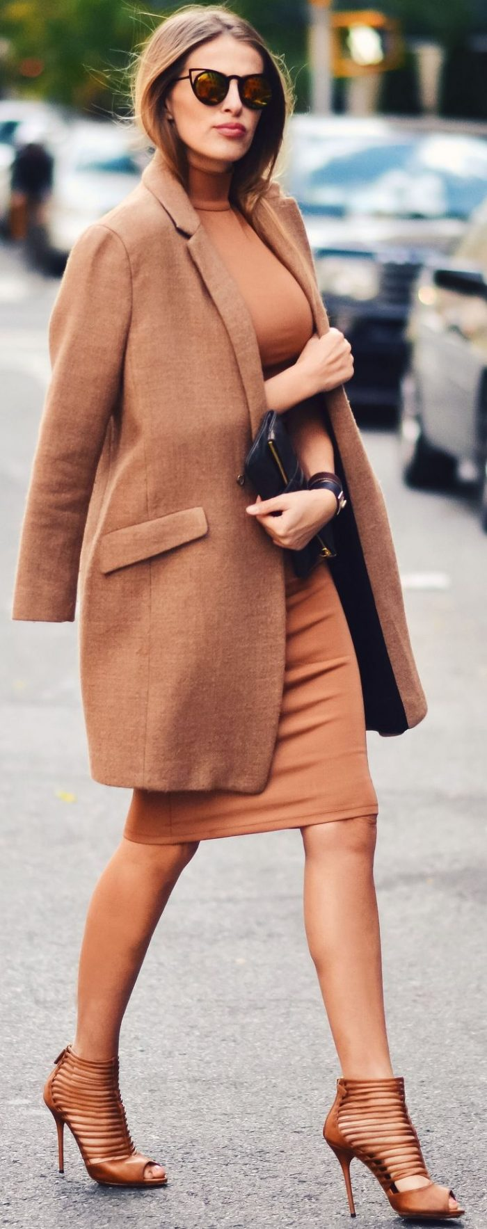 Monochromatic Outfits For Women 2019