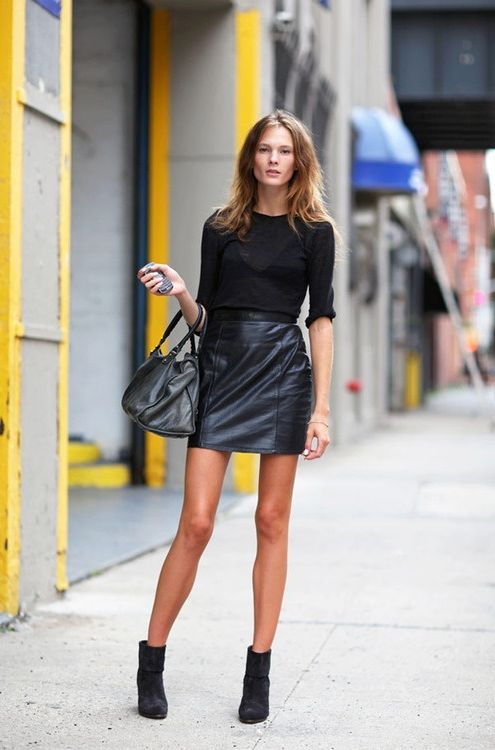 What Tops to Wear with Leather Skirts 2019