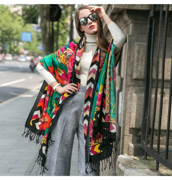 Scarf Street Style Ideas for Fall 2020