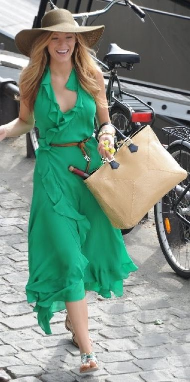 Green Dresses Best Ways To Wear Now 2020