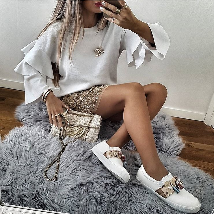 White Pullover With Ruffled Sleeves For Cocktail Parties 2020