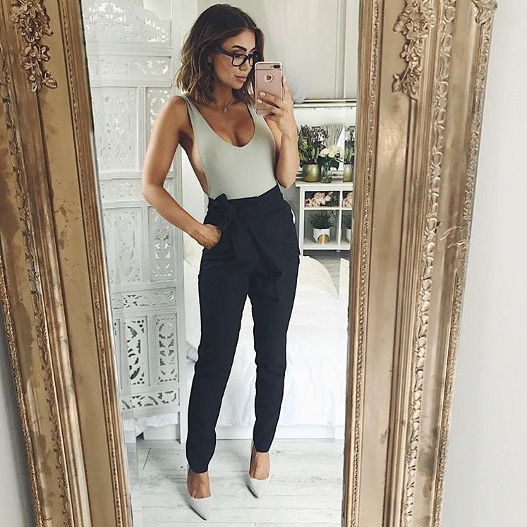 How To Wear Khaki Grey Bodysuit With Belted Navy Pants This Summer 2019
