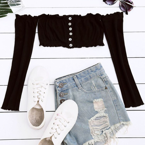 Black Crop Top With Long Sleeves And Denim Shorts For Summer 2020