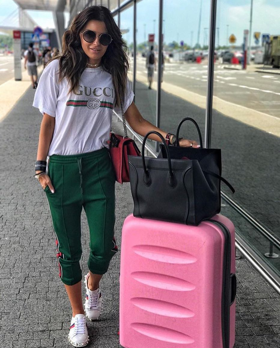 White T-Shirt And Green Joggers: Airport Style For Summer 2019