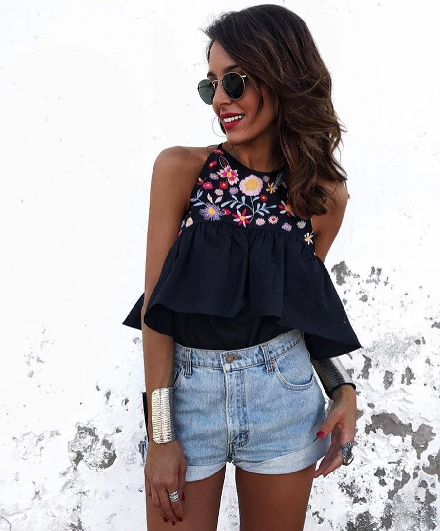 Sleeveless Black Peplum Bodysuit With Floral Embroidery And Denim Shorts 2019