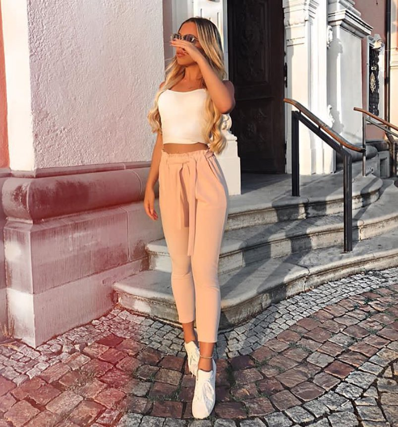 How To Style Gathered Light Pink Ankle Trousers This Summer 2019