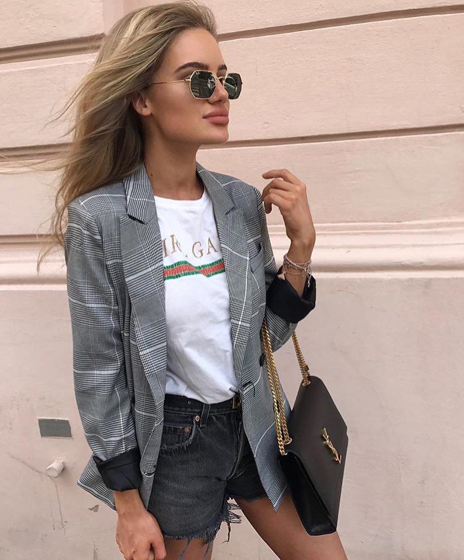 Can I Wear Plaid Blazer With Frayed Black Denim Shorts 2019