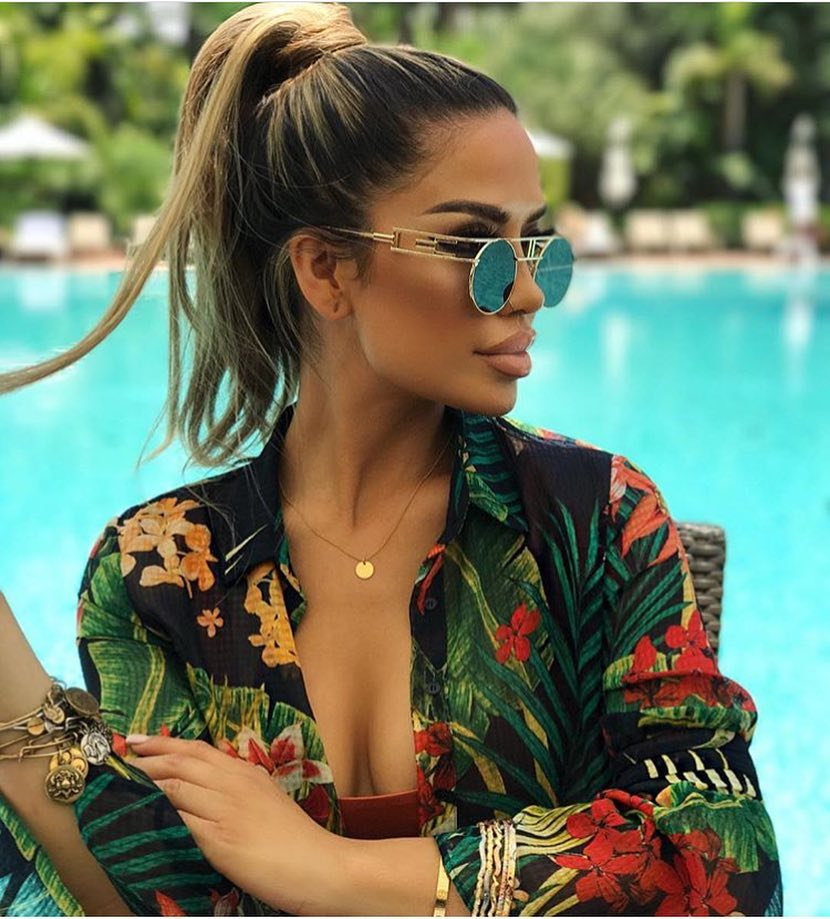 Jungle Print Black Shirt And Rounded Sunglasses For Summer Vacation 2019