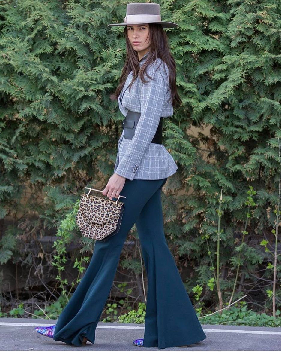 Plaid Grey Blazer, Bell Bottom Pants And Wide Brim Hat For Spring 2020