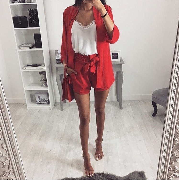 Red Shorts Suit For Summer Trips And Street Walks 2019