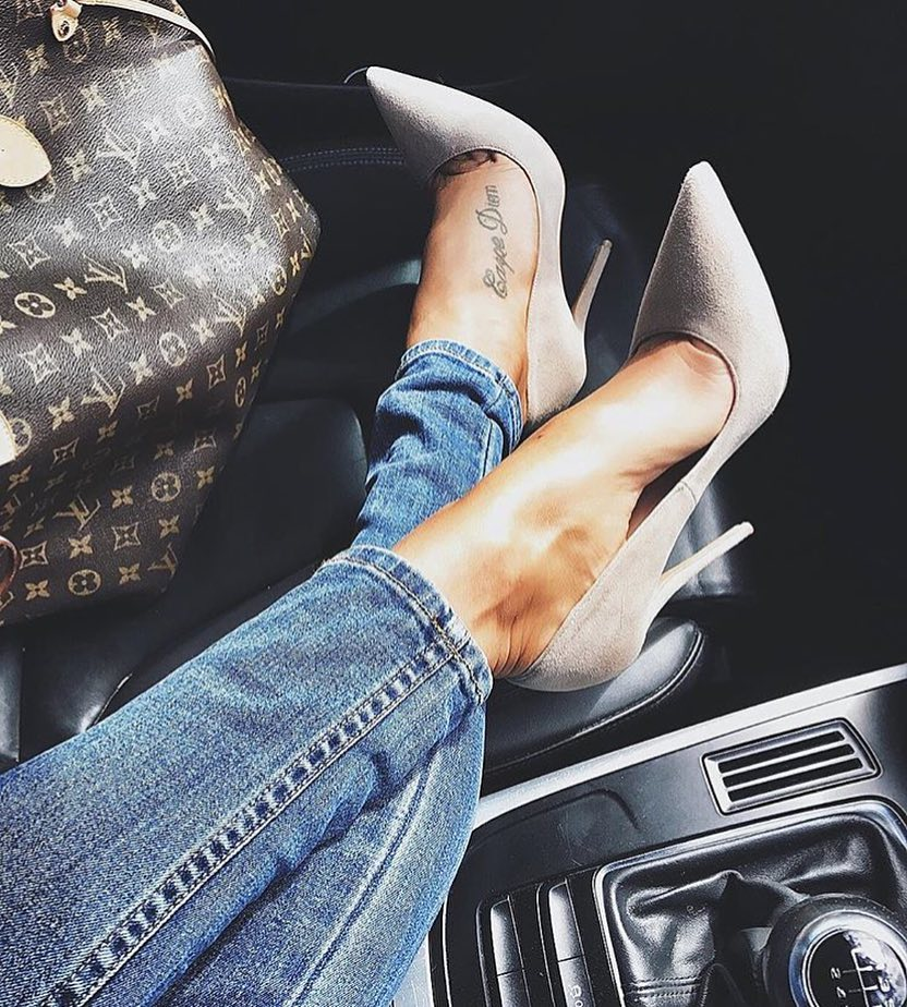 Cream Grey Heels And Slim Jeans For Summer Casual Days 2019
