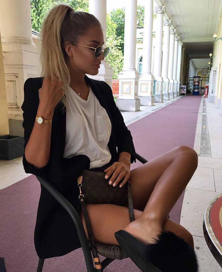 How To Wear Black Blazer With Black Fur Slides This Summer 2020