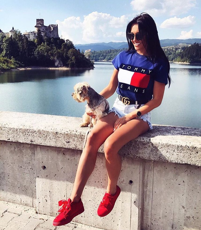 Blue T-Shirt, Frayed Denim Shorts And Red Sneakers For Summer 2019