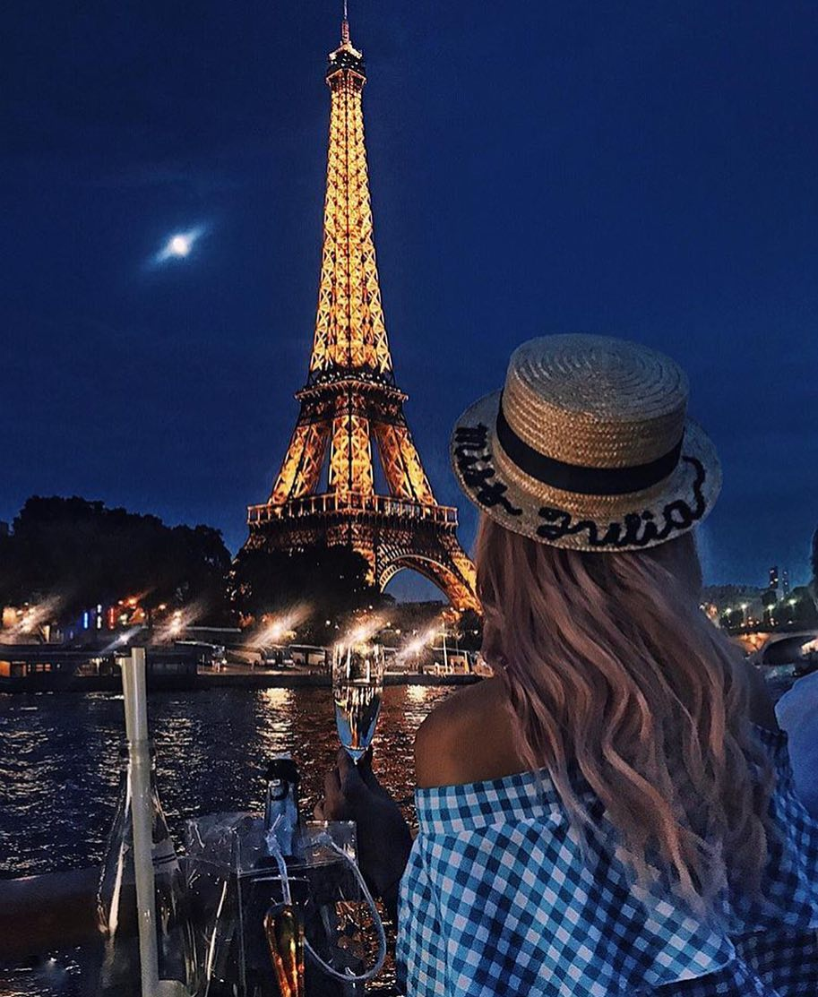 Boat Hat And Gingham Print Dress For Summer In Paris 2019