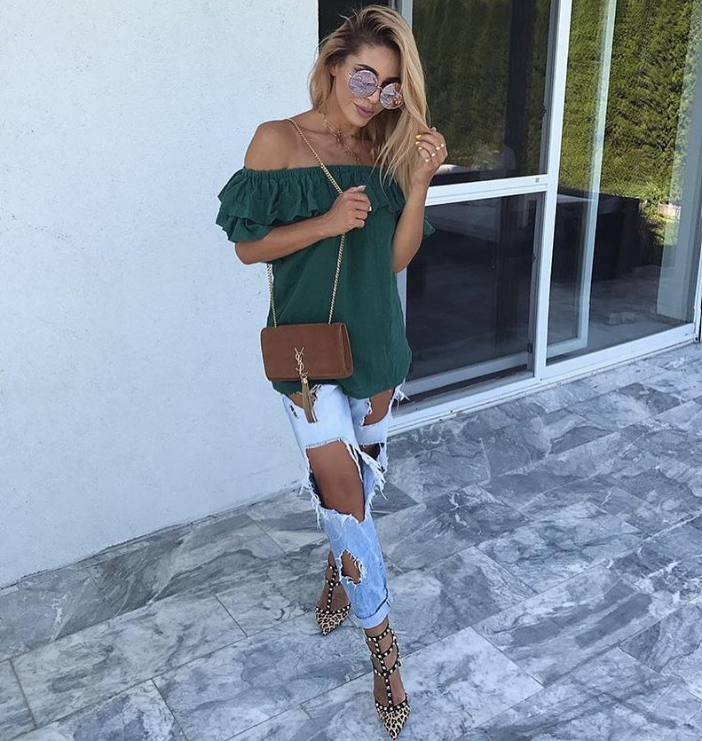 Off-Shoulder Ruffle Top In Green And Ripped Blue Jeans For Summer 2019