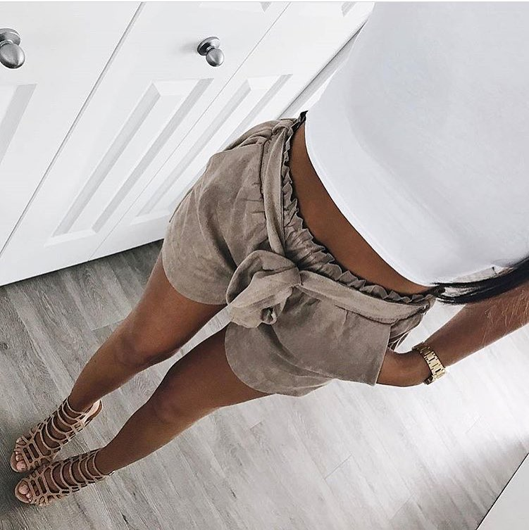 How To Style Gathered Suede Shorts This Summer 2019