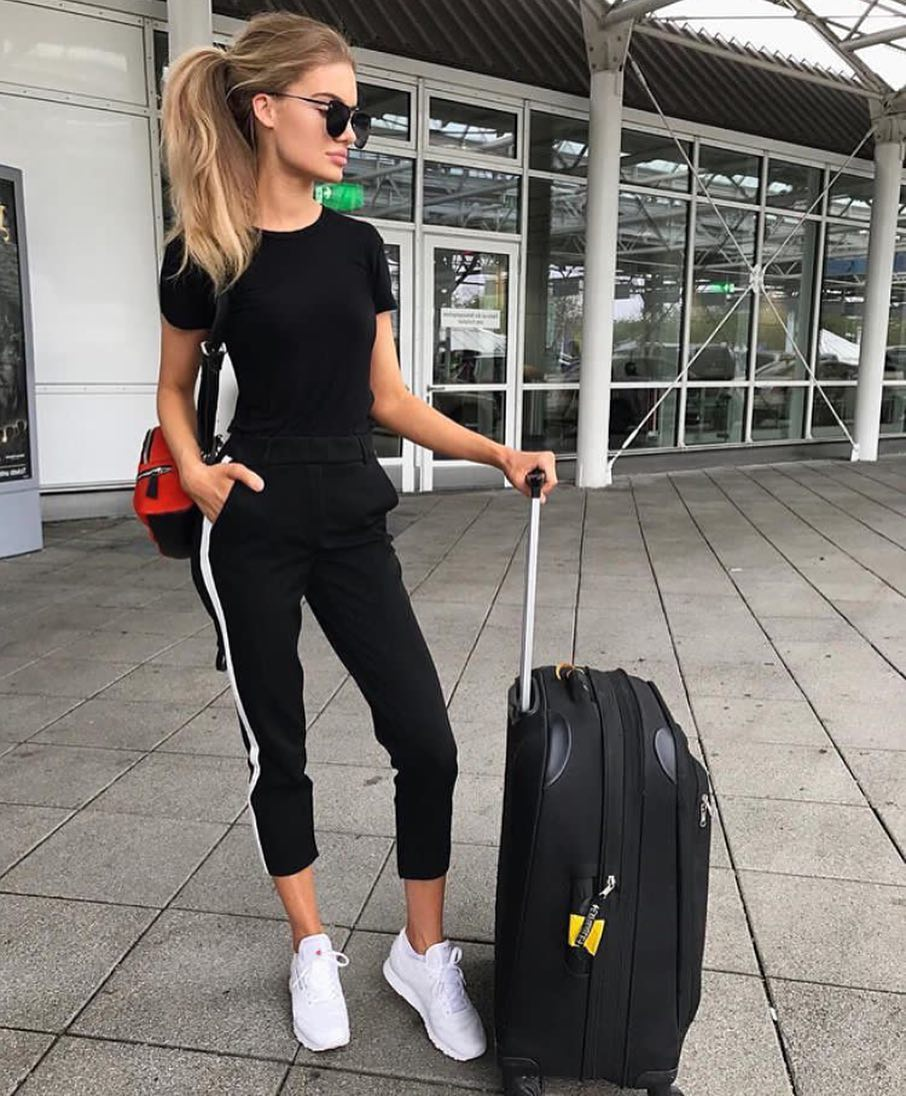 Airport Monochrome Outfit Idea For Summer 2019