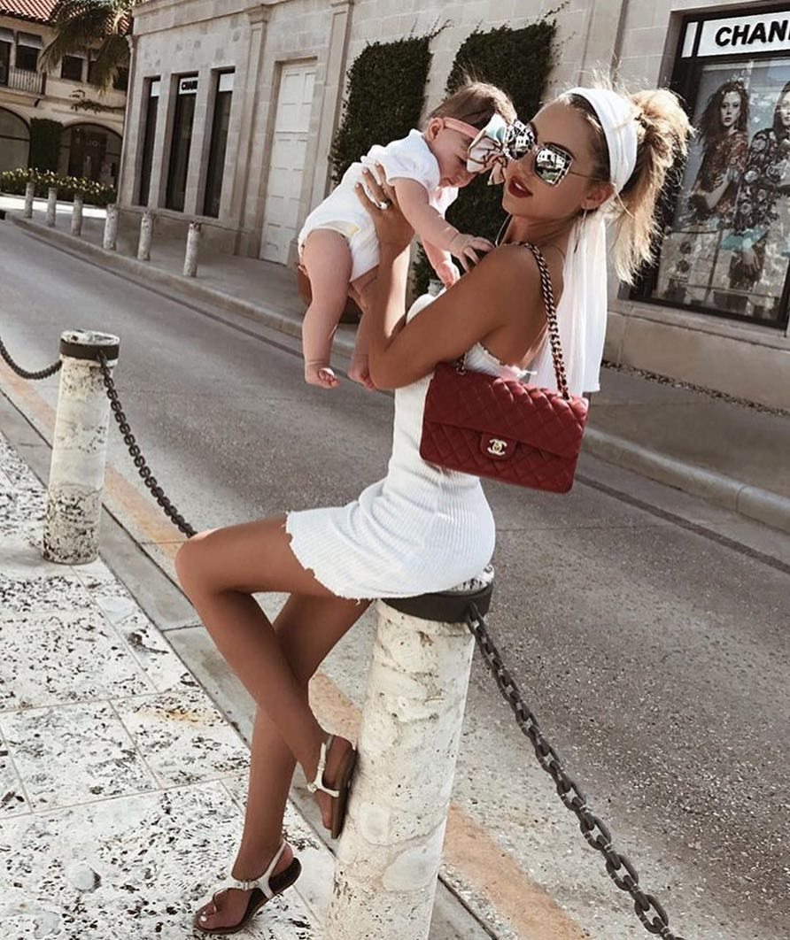 All White Look For Summer: Knitted Mini Dress, Headband And Thong Sandals 2021