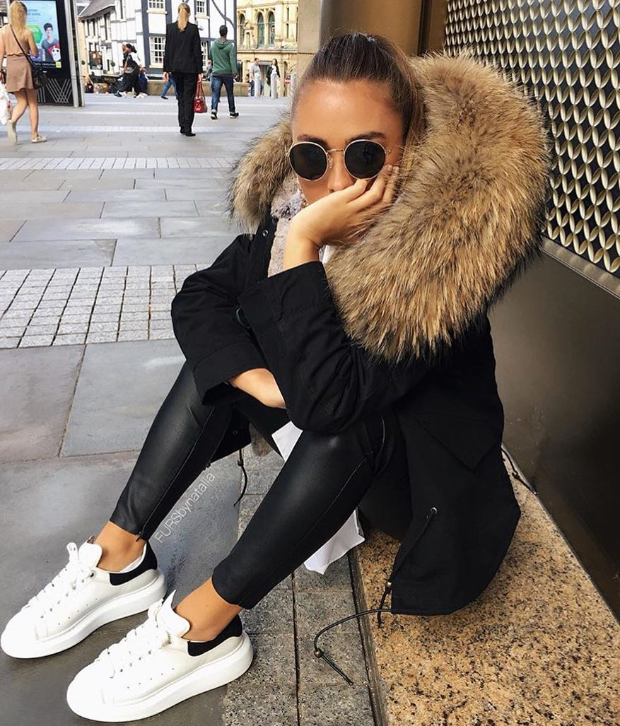 How To Style Black Parka With Black Leather Skinny Pants And White Sneakers 2020