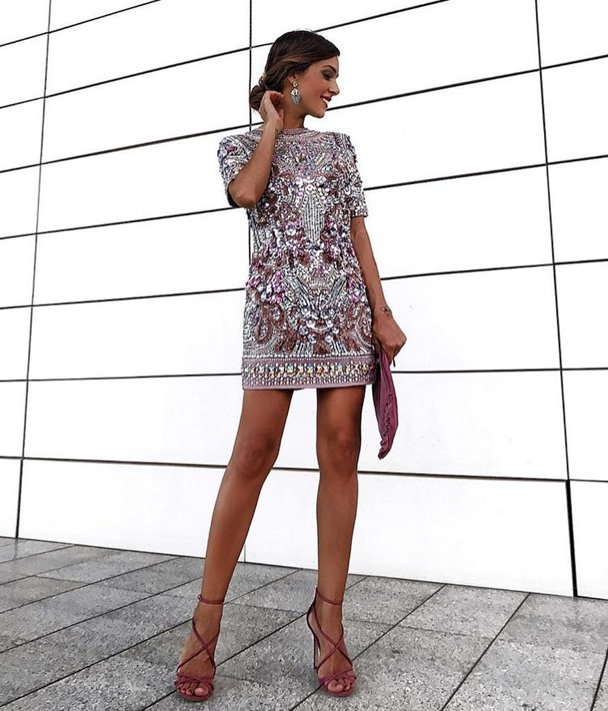Short Sleeve Shift Dress Embellished With Rhinestones And Pink Strappy Sandals 2019