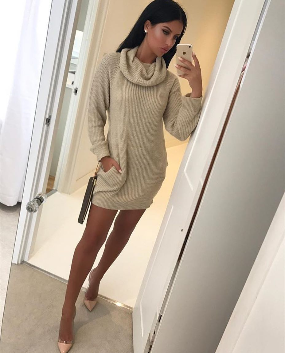 Slouchy Neck Sweater Dress And Blush Heeled Pumps For Spring 2020