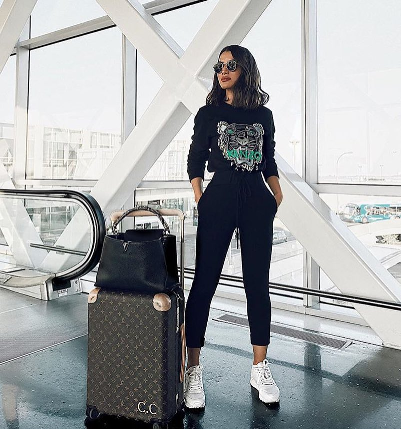 Airport Outfit Idea: Black TrackSuit And White Sneakers For Summer Vacay 2019