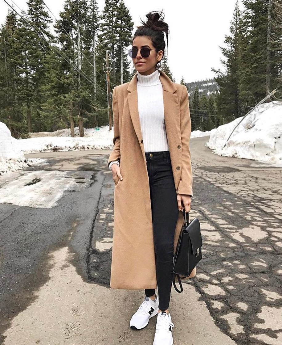 Long Camel Coat With White Sweater, Black Skinnies And White Sneakers 2020