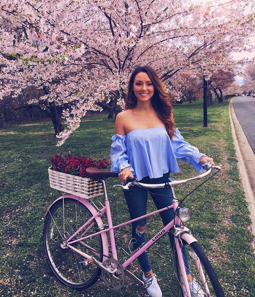 Bicycle Ride Outfit Idea For Summer: Off Shoulder Top And Slim Jeans 2020