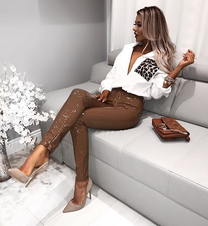 Beige Glossy Pants With White Shirt And Cream Grey Pumps: Fancy Cocktail Style 2019