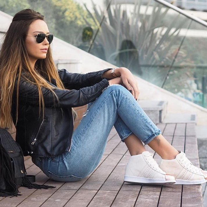 Spring Essentials: Black Leather Jacket, Blue Jeans And White Sneakers 2020