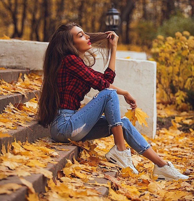 Red Plaid Shirt With Ripped Jeans And White Sneakers For Casual Weekends 2019