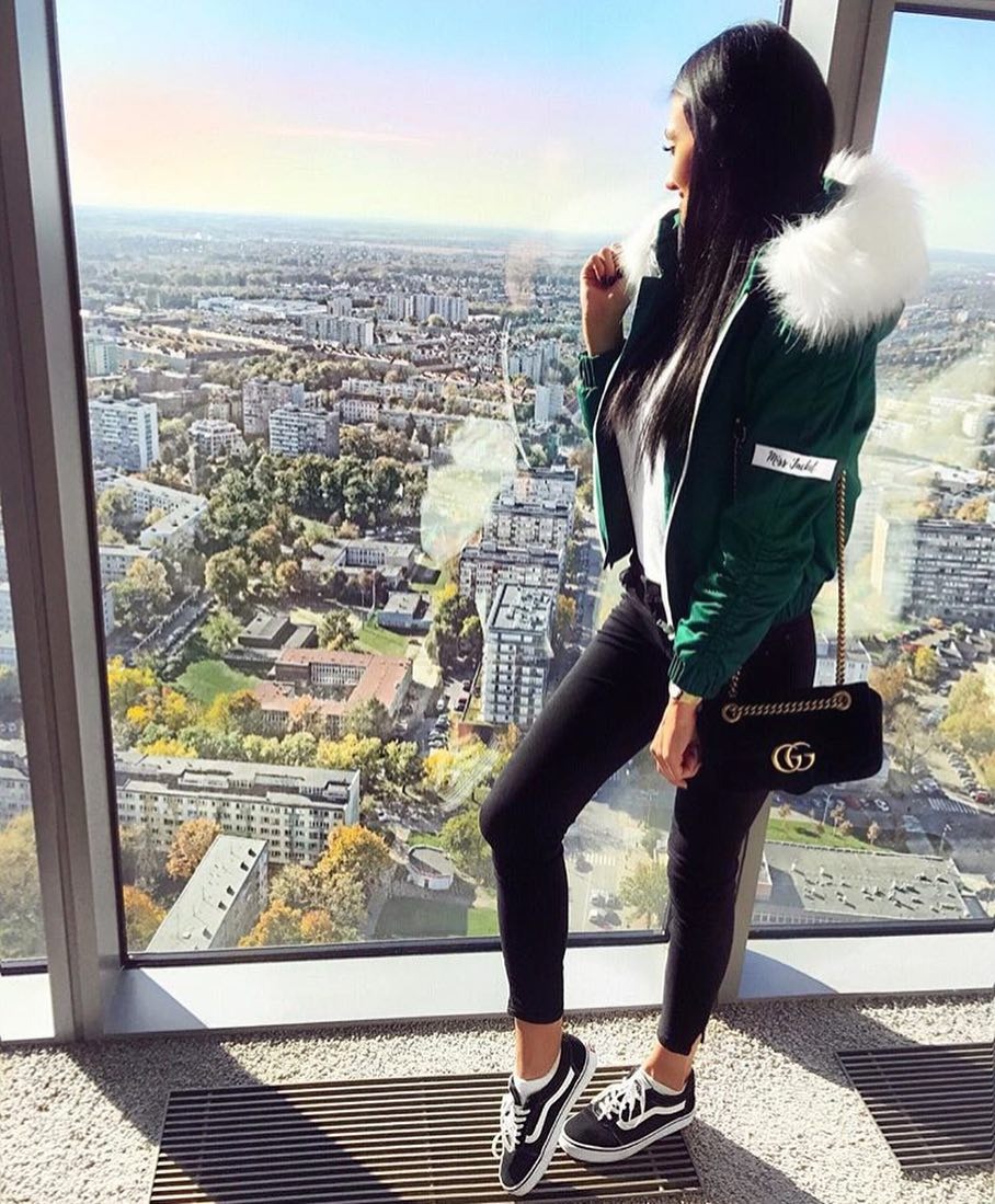 How To Wear Bomber Parka In Green This Fall 2019