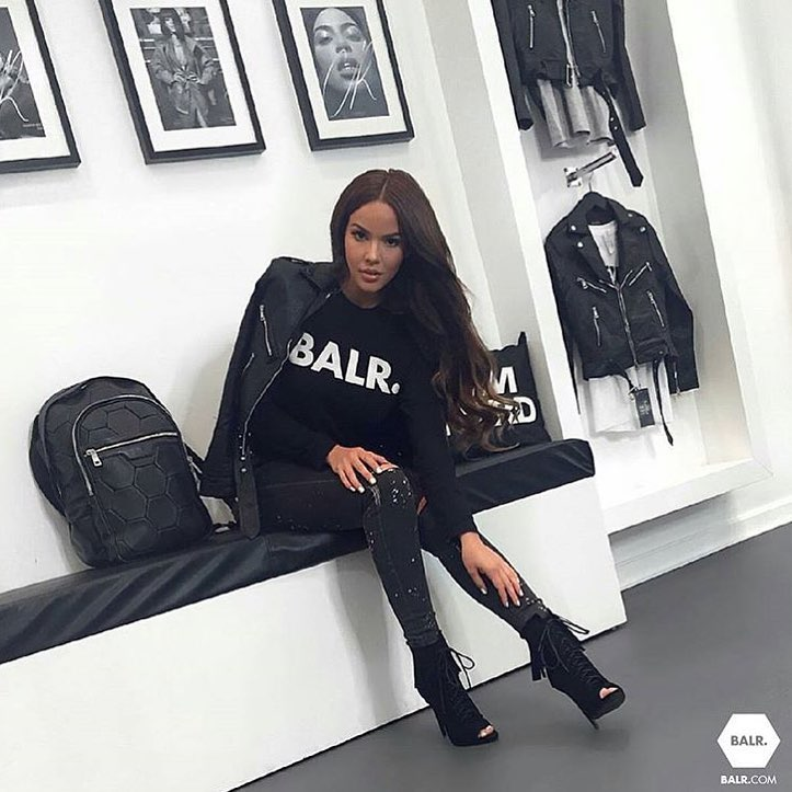 Biker Chic All In Black Outfit For Bad Girls: Leather Jacket And Peep Toe Boots 2019