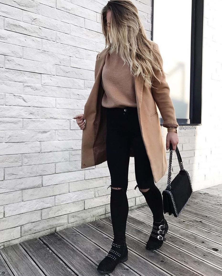 Wool Camel Coat And Knee Ripped Jeans In Black For Fall 2019