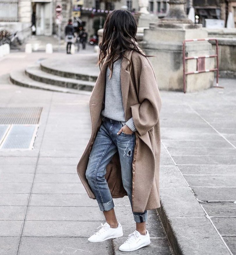 Beige Maxi Coat With Grey Sweater, Cuffed Jeans And White Sneakers For Fall 2021