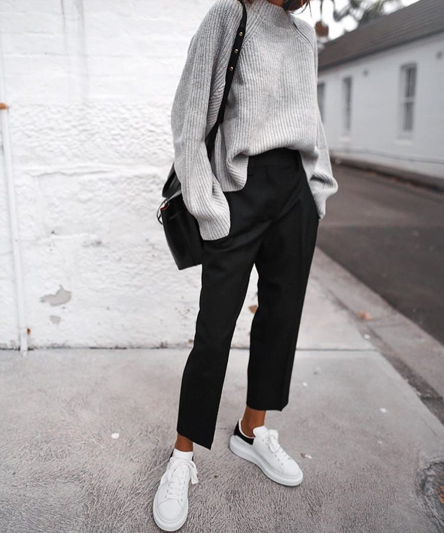 Normcore Basics: Grey Oversized Sweater, Black Pants And White Sneakers 2019