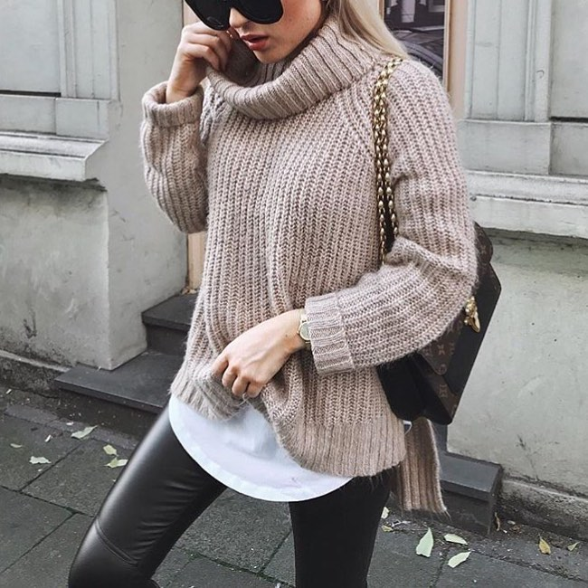 Cream Grey Oversized Turtleneck Sweater And Black Leather Pants For Fall 2019
