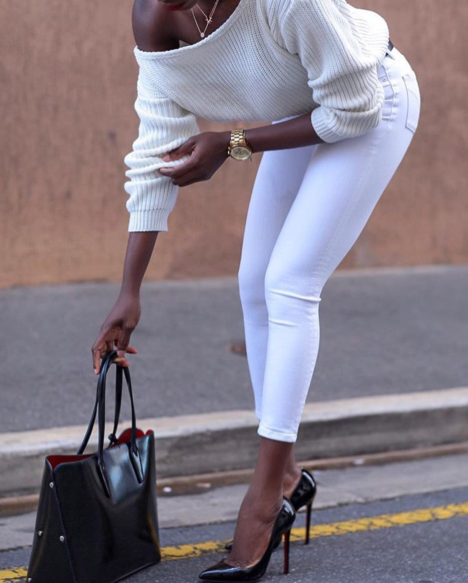 Off-Shoulder Sweater In White And Skinny Jeans In White For Fall 2020
