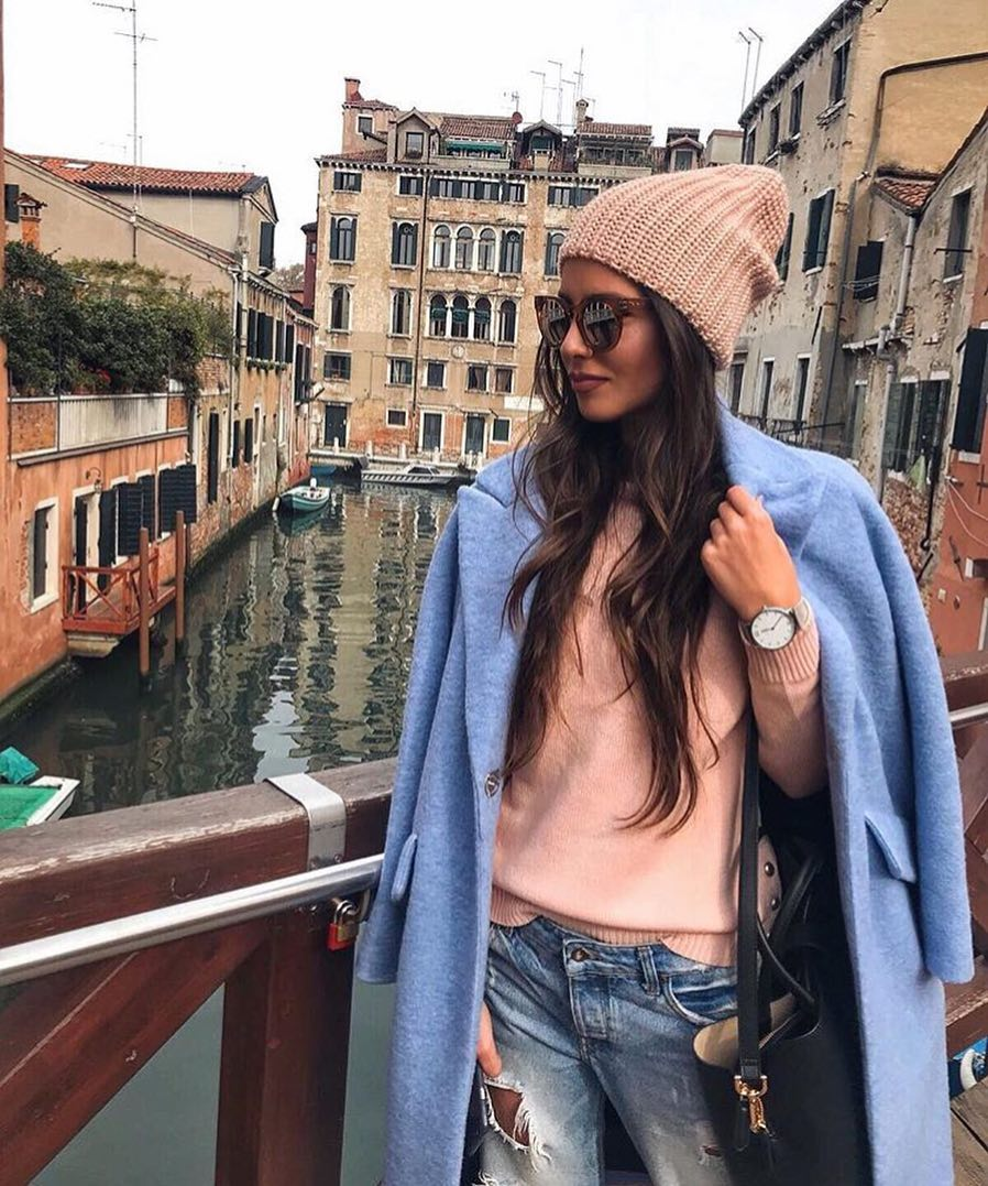 How Should You Wear Blue Overszied Coat This Fall 2021