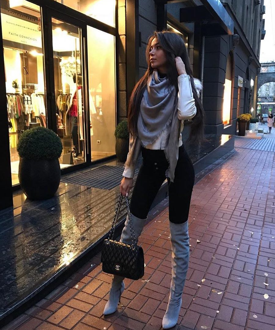 Fall Essentials: Cream White Slim Leather Jacket, Black Skinnies And OTK Grey Boots 2020