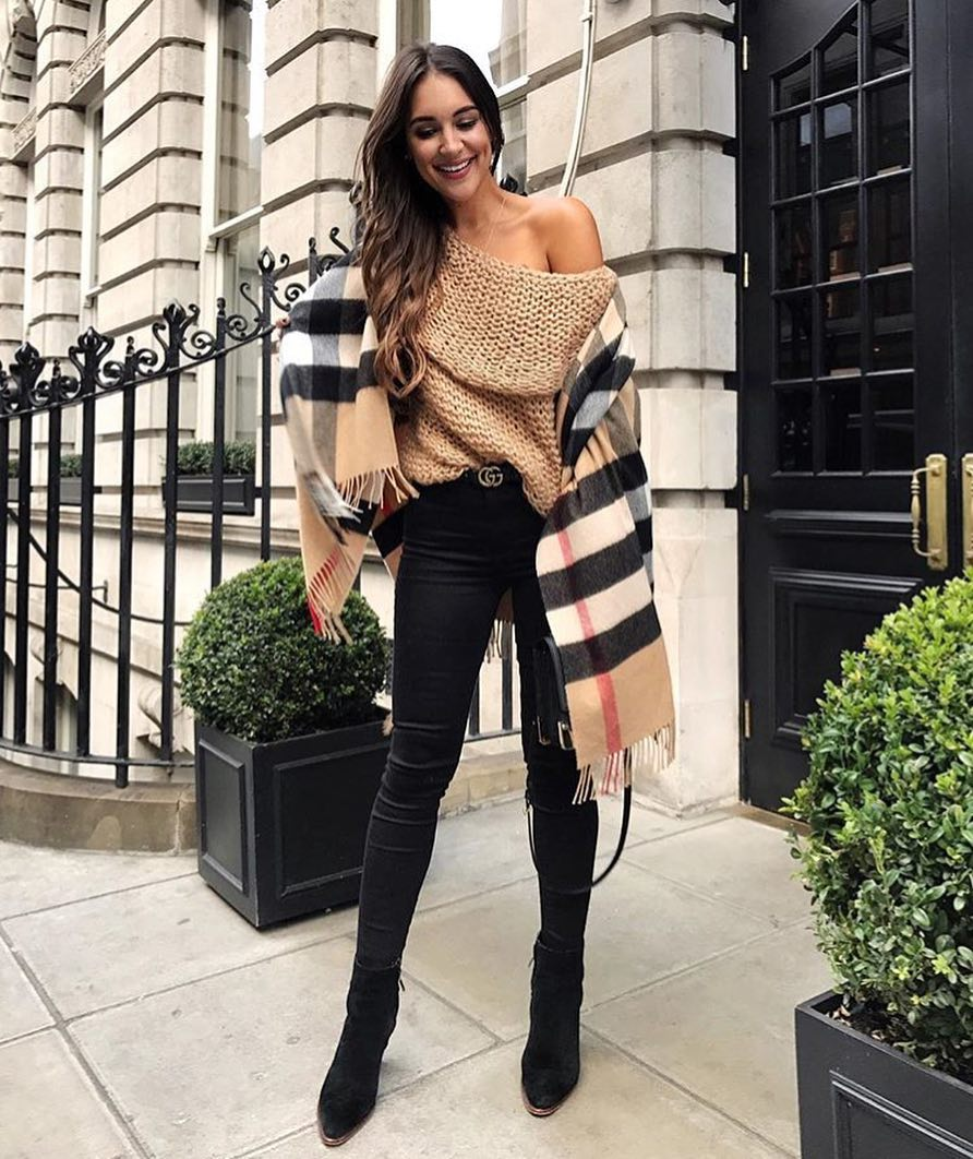 Can I Wear Off Shoulder Sweater With Black Skinny Jeans And Suede Boots 2020