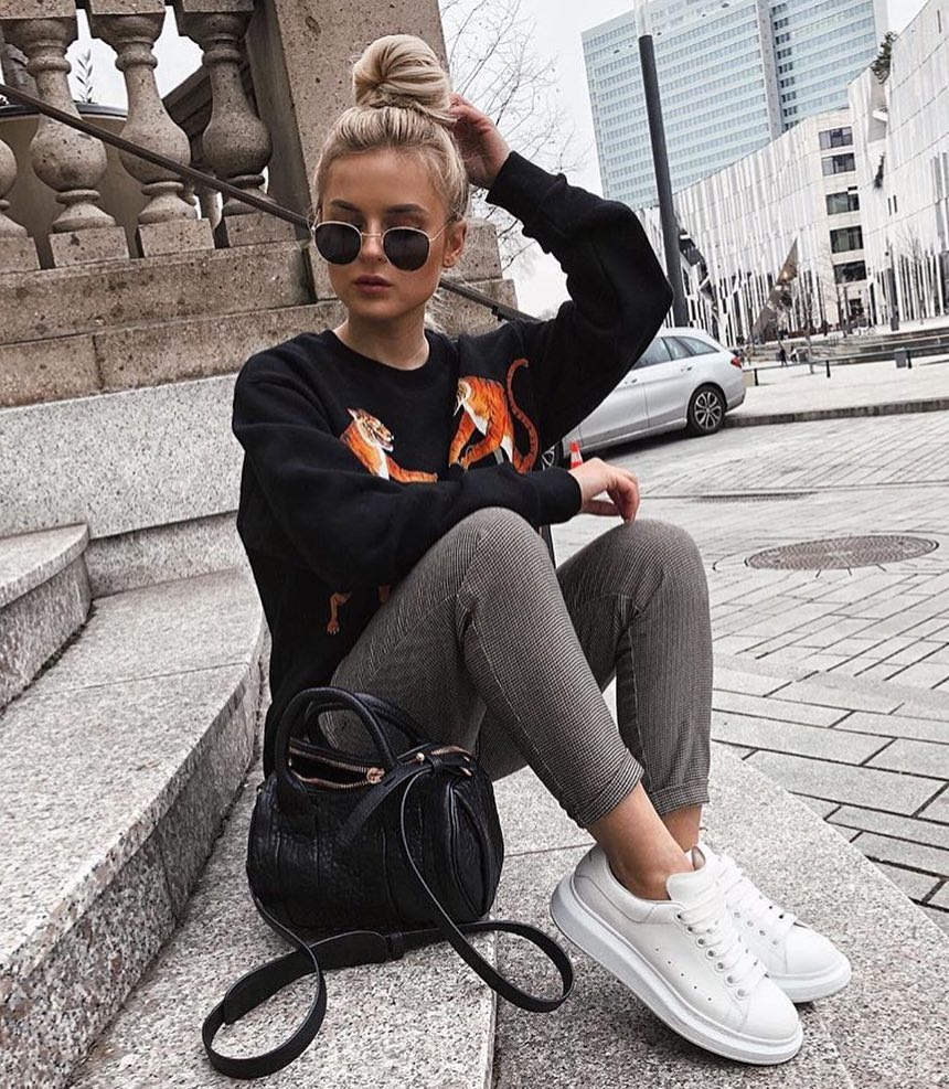 Printed Black Sweater With Micro Plaid Pants And White Sneakers For Fall 2019
