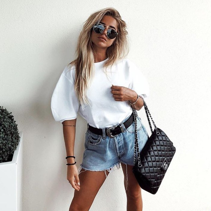 How To Style Oversized White T-Shirt And Denim Shorts This Summer 2020