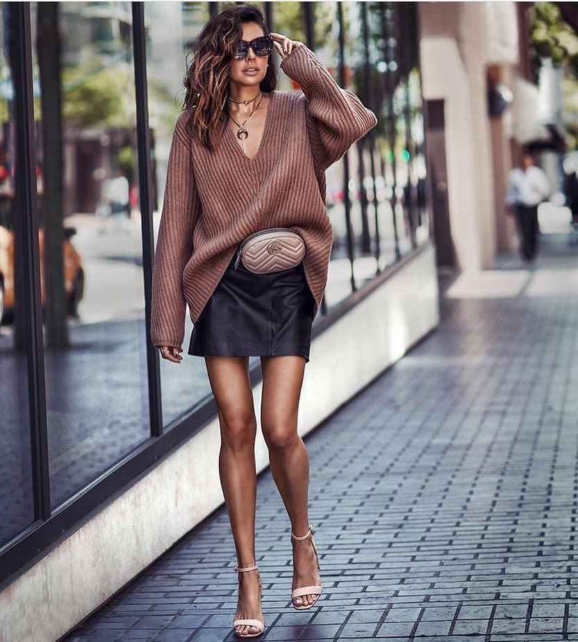 Oversized Sweater And Black Leather Skirt Combo For Fall