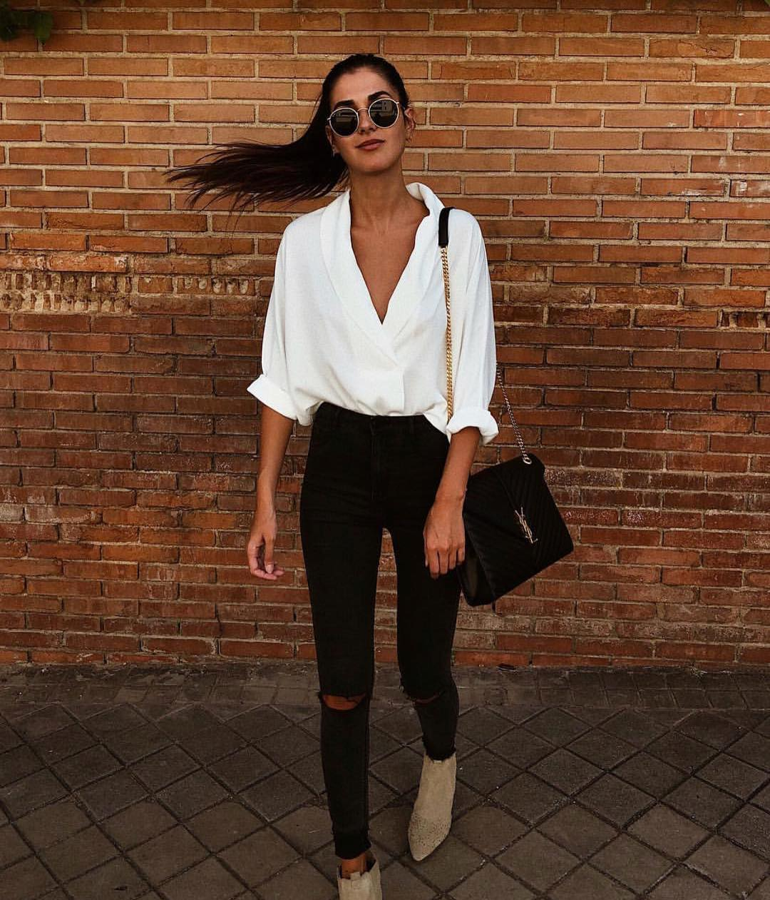 White Shirt With Black Skinny Jeans And Beige Suede Ankle Boots For Summer 2019