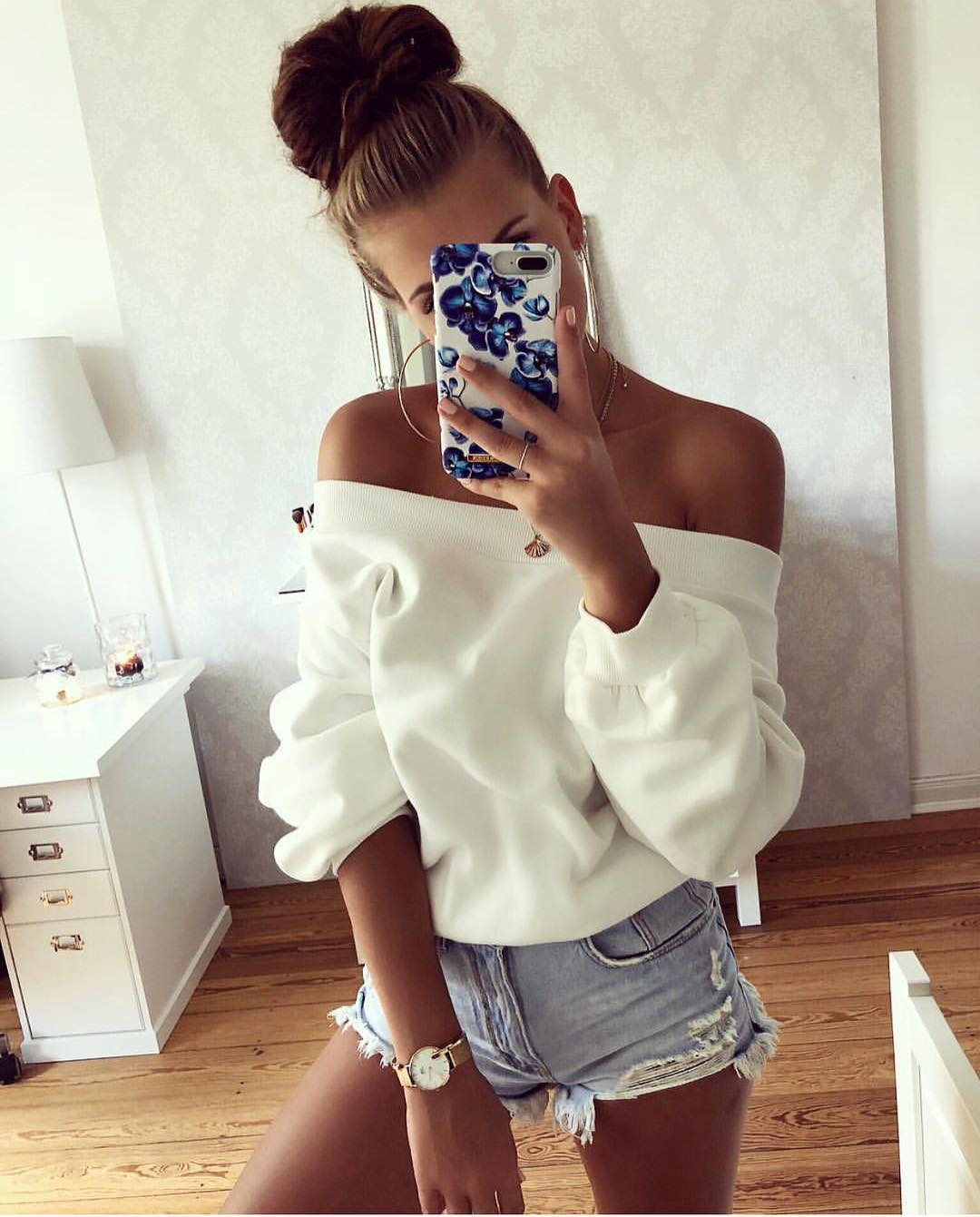 Off-Shoulder White Sweatshirt And Wash Blue Ripped Denim Shorts For Summer 2019